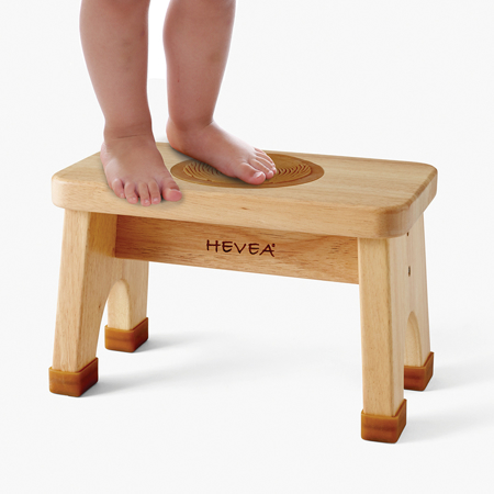 Slika za Hevea® Lesena pručka z dodatki iz kavčuka