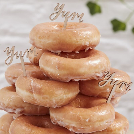Slika za Ginger Ray® Drveni ukrasi za kolačiće Yum 6 komada