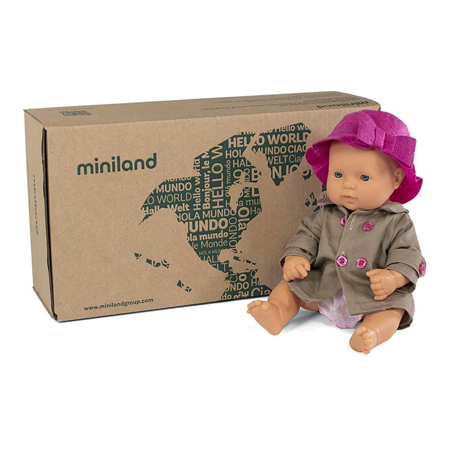 Miniland® Lutka s odjećom Mild Weather Hat Set 32cm