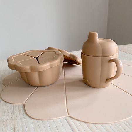 Konges Sløjd® Silikonski set za hranjenje Shell