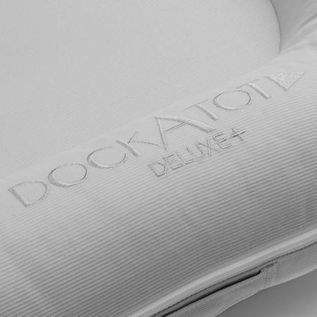 DockAtot® Višenamjensko gnijezdo Deluxe+ Cloud Grey (0-8m)